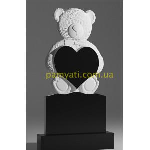 Купить резной памятник гранитный детский медведь держит сердце (120х60)