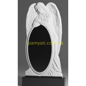 Купить резной памятник гранитный с ангелом над овалом (120х60)